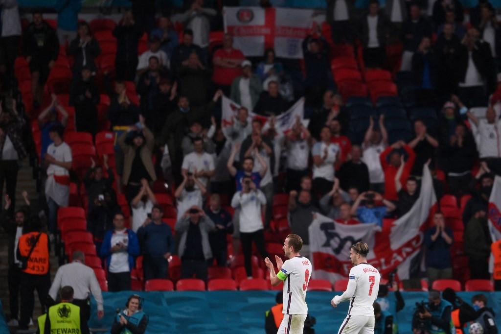 Các cầu thủ đội tuyển Anh sau trận đấu với đội tuyển Czech tại sân vận động Wembley ở London. Ảnh: AFP.
