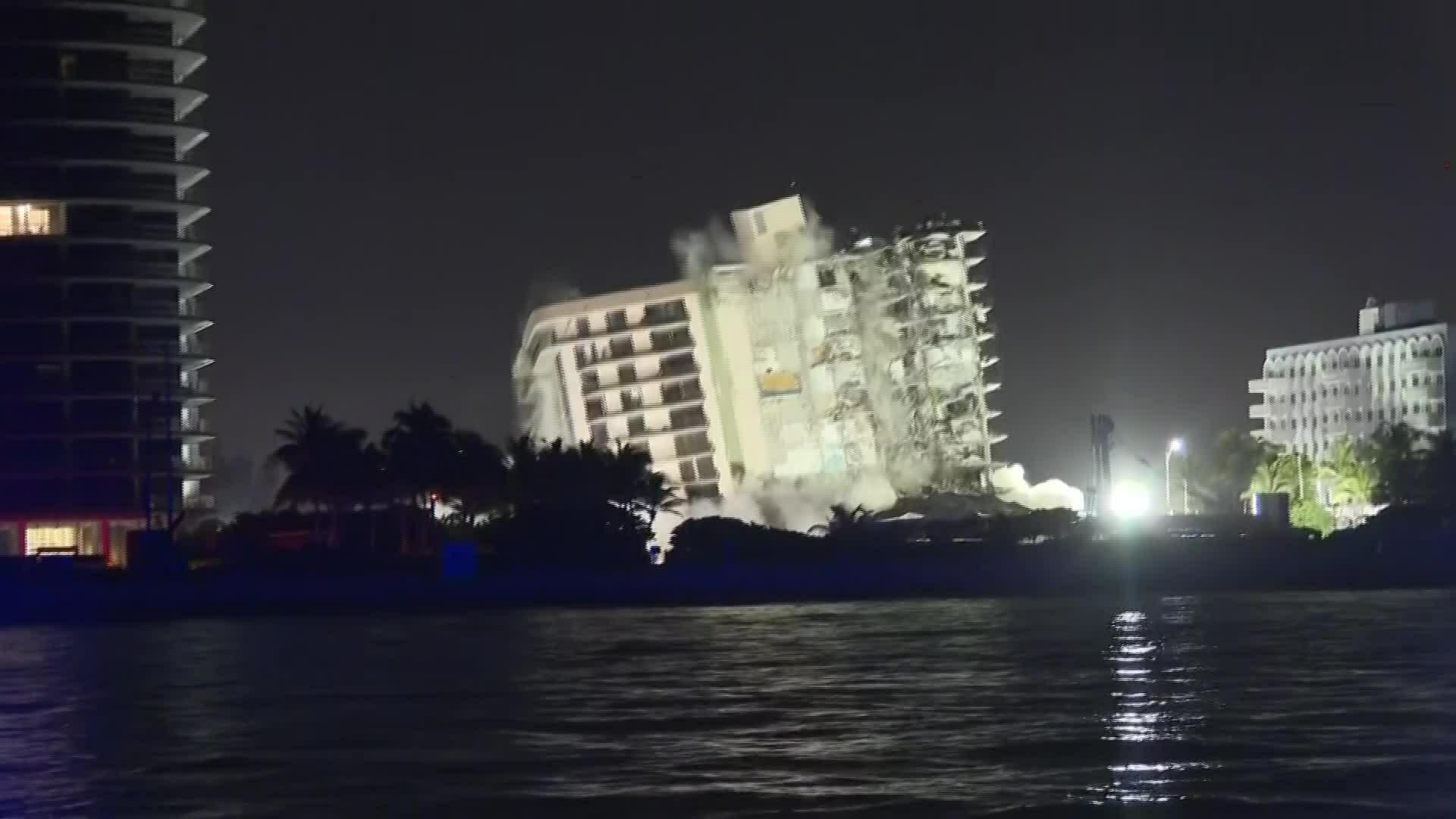 Florida phá hủy phần còn lại của chung cư sập
