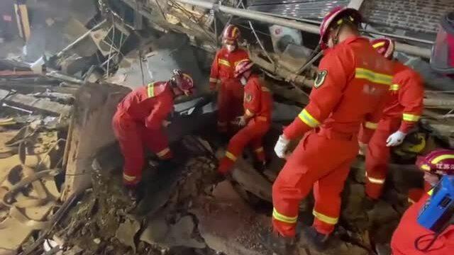 Sập khách sạn ở Trung Quốc, 8 người chết